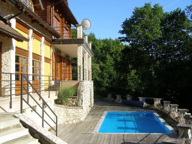 Rustic Luxury Villa - Zvečaj - วิลล่า