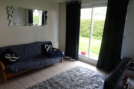 Canapé lit dans bel appartement proche centre vill - Pontarlier