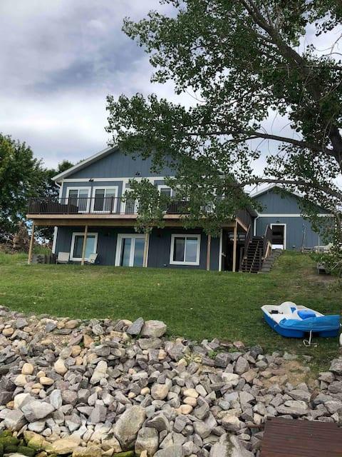 Lake Poinsett Vacation Home