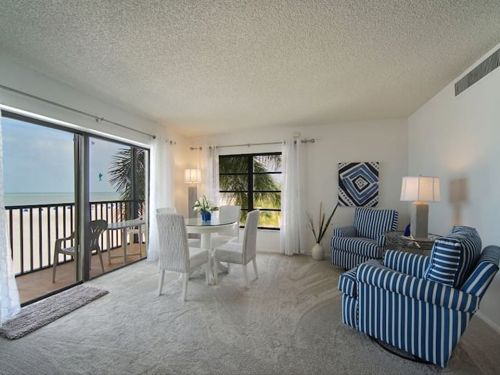 25% OFF 4/18 - 11/12/21! Island Winds - White Sands and Sunsets