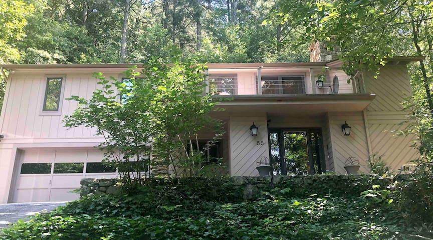 Asheville Mountain Sanctuary (Private 4 Rm Suite)