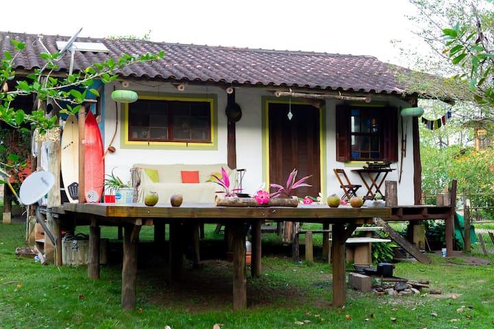 Casa linda na praia de Castelhanos em Ilhabela.