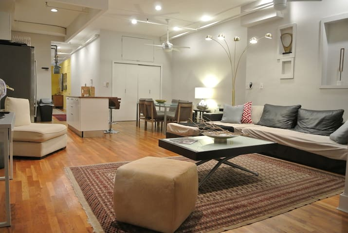 MASSIVE FiDi LOFT | 3 BED 2.5 BATH | BIG 2K Sqft