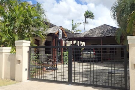 Barbados Guest Loft Home in Old Plantation Area