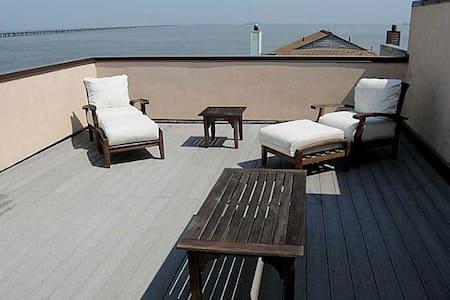2Bedroom/1Bedroom Rooftop Combo ! - Virginia Beach - Casa adossada