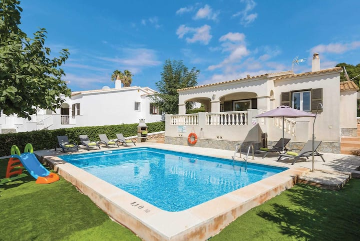 Villa close to Son Bou beach with pool