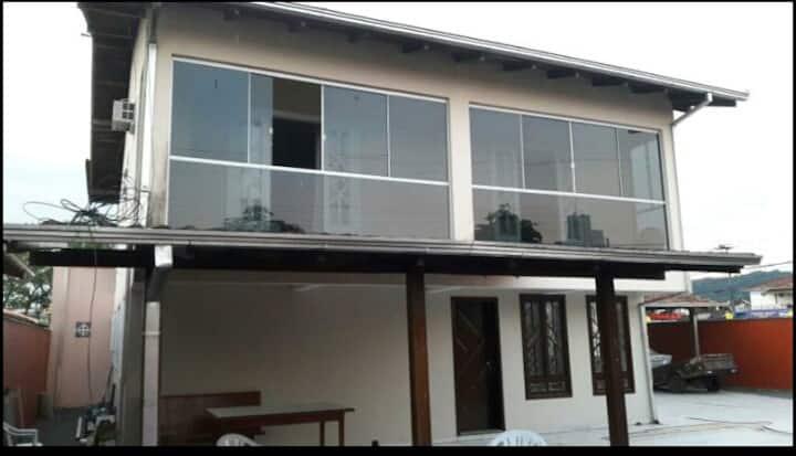 Casa ampla/nova/confortável/central/20 camas