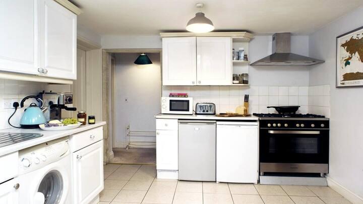 Isobel 9 Apartment