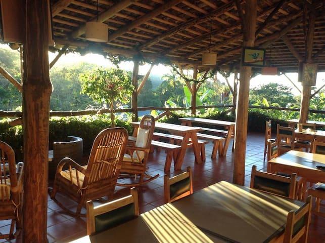 paraíso rodeado de naturaleza - San Isidro de El General - Appartement