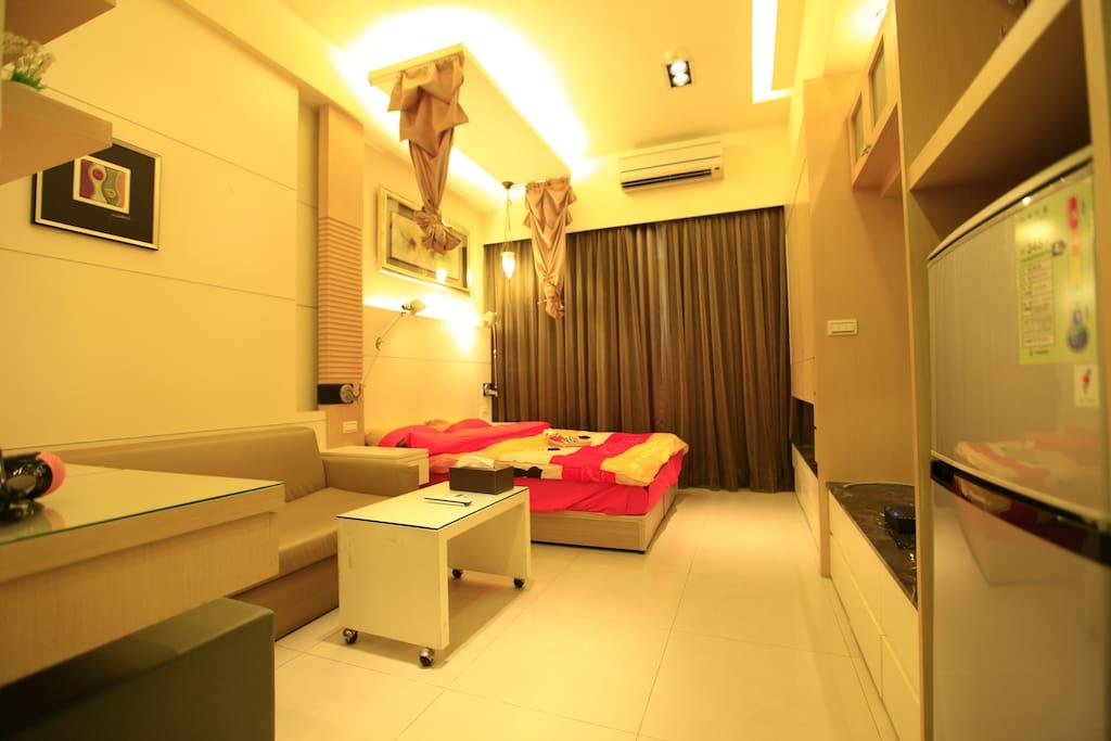 double bed雙人床150CM*190CM