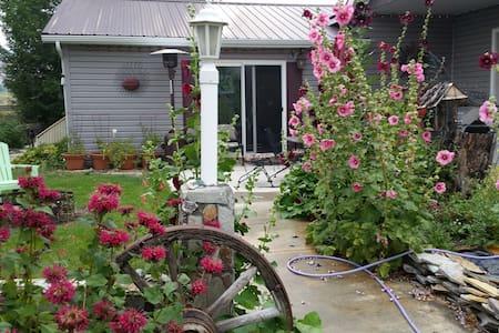 River Rock Spa Rental - Challis - Casa de huéspedes