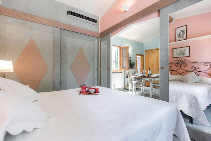 *A view on the Florentine hills* - Florence - Apartemen