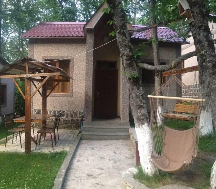 """Валетта"" - гостиница в живописном Цахкадзоре"