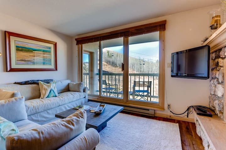 Great ski-in/ski-out mountain condo with shared pool & hot tub!