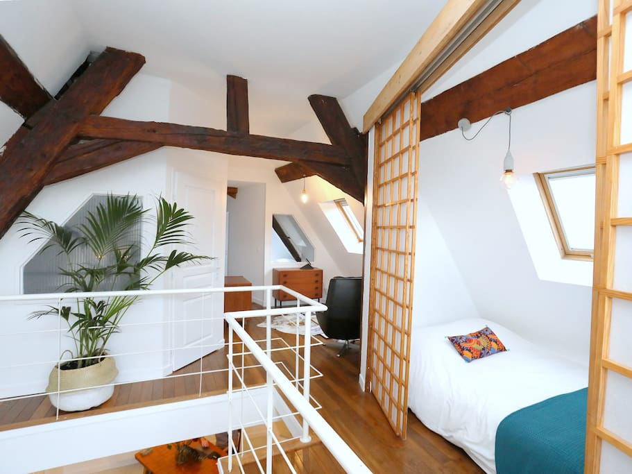 Upper floor: 3 bedrooms & reading space