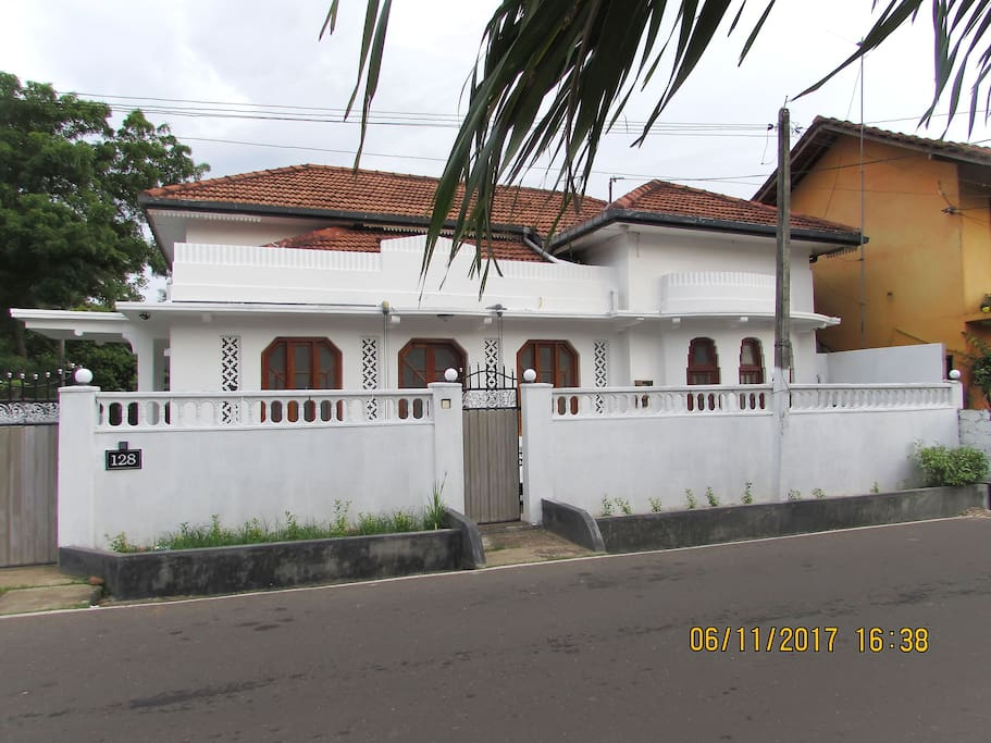 Villa 128 is located less than 700m from Weligama City Centere and 170m from Weligama Beach