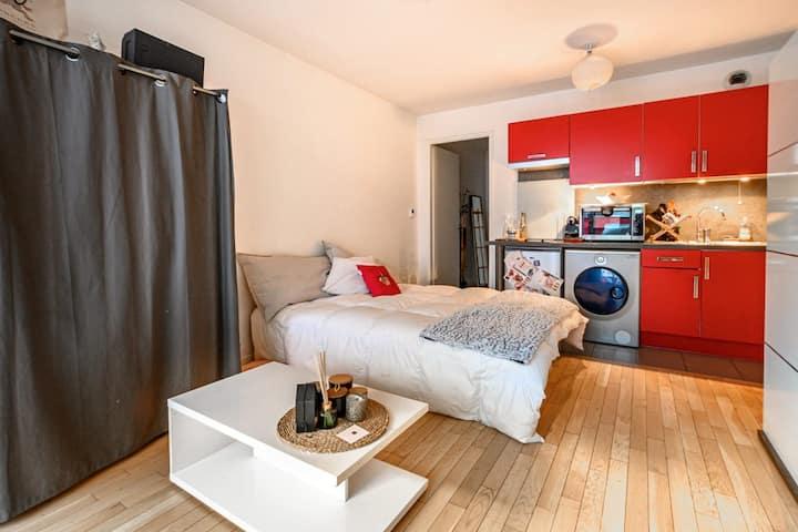 Studio Moderne avec Balcon