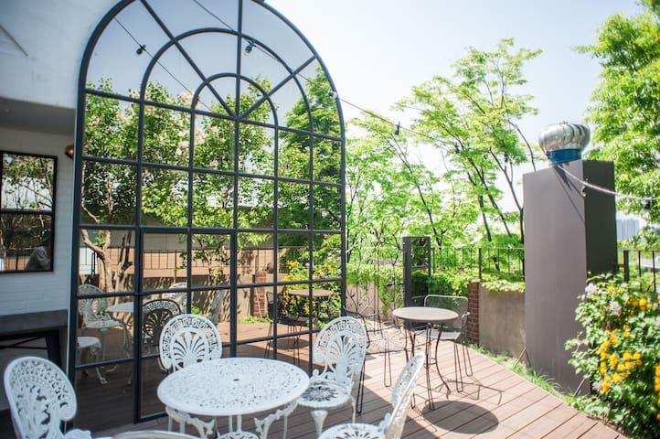 Itaewon❤️  Garden House