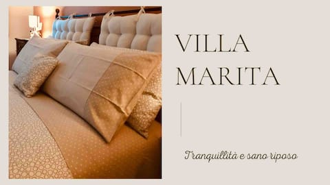 Villa Marita - Living room surrounded by nature