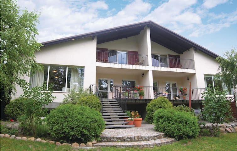 Semi-Detached with 4 bedrooms on 250m² in Wolsztyn