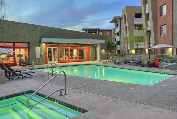 Lovely Space in Amazing Location - Tempe - Apartment