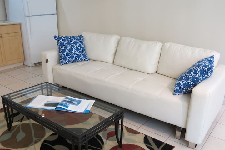 A Condo on Beachwalk!Great for Families!! 575sqft