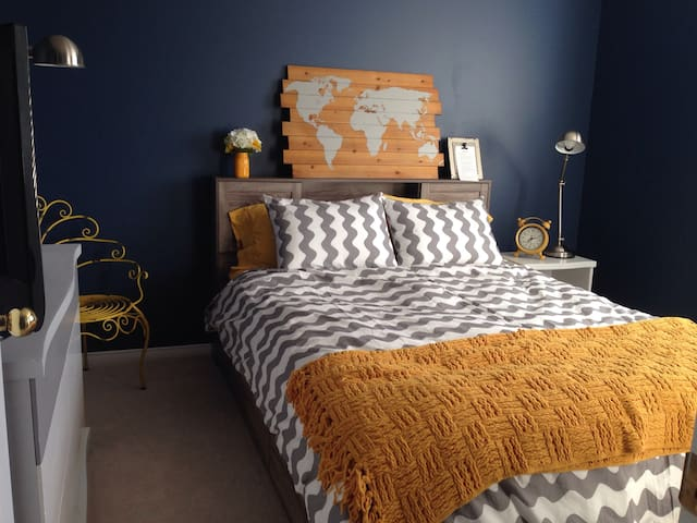 The Cozy Traveller Room - Brantford - Huis