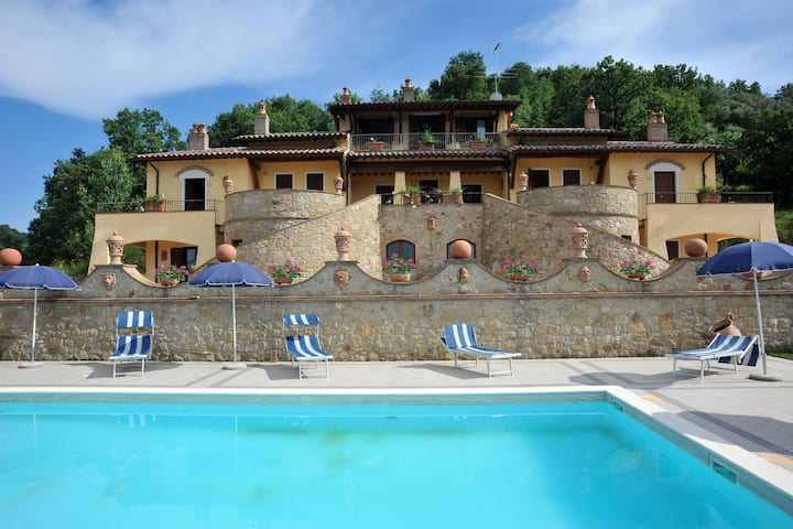 Mansion in Umbria with Swimming Pool, Garden, Terrace, BBQ