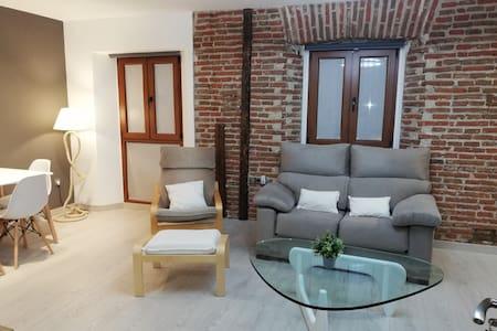 THE LITTLE HOUSE SIR