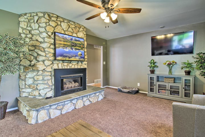NEW! Dog-Friendly Cozy Cañon Rancher Vacation Home