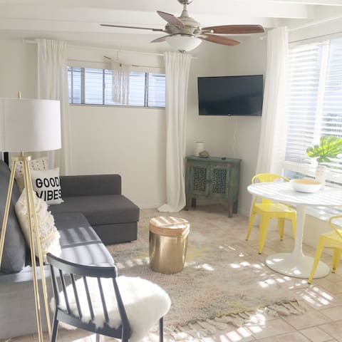 Beach Bungalow Good Vibes - C - Carlsbad - Apartment