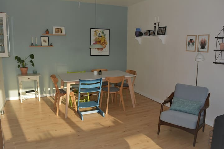 Family friendly apartment, close to City Center - Højbjerg - Daire