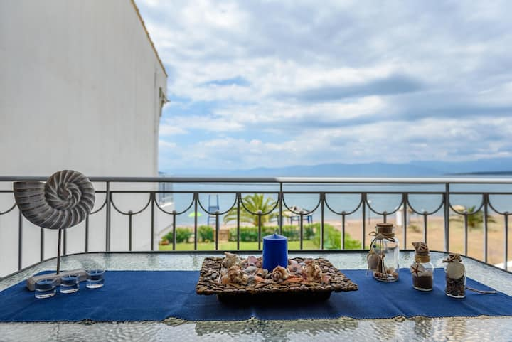 """""""SteliosDimitra""""House with view in sea of Kantia"""