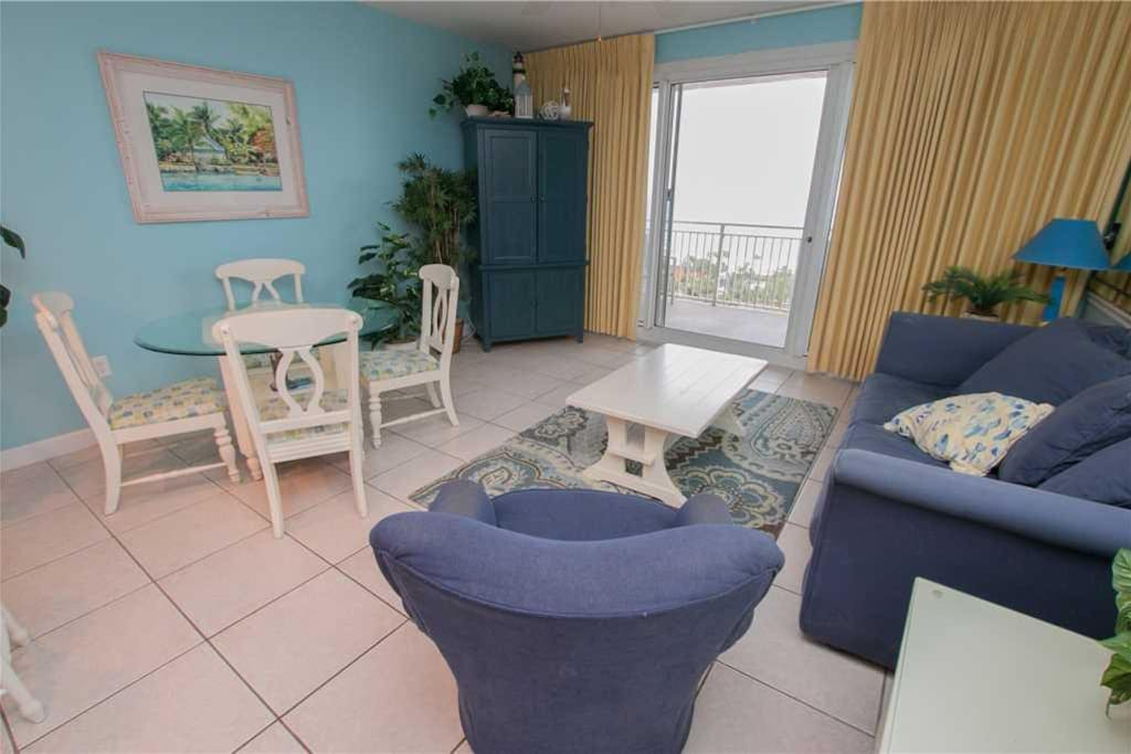 Sterling Condo Room For Rent