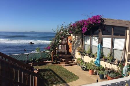 Ocean Front Beach Cottage - Ensenada