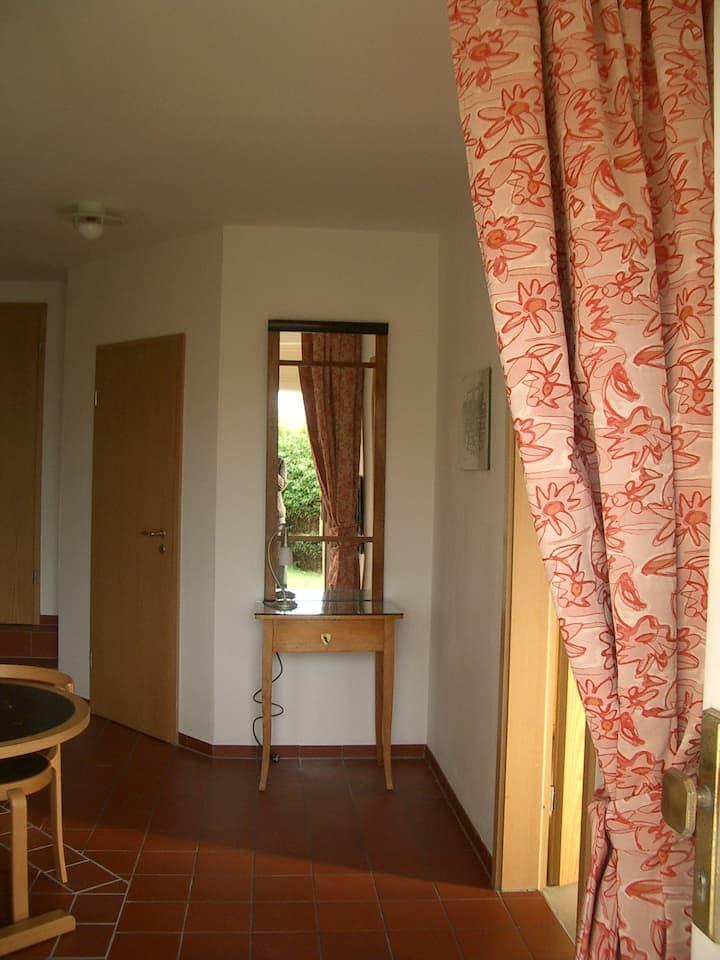 Großzügige 2-Zimmerwohnung mit Garten