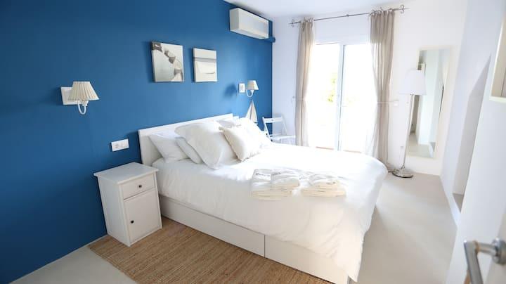 Apartamento nuevo en la playa :)