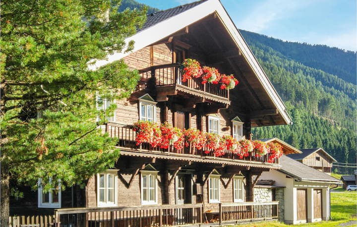 Stunning home in Sankt Veit/Defereggenta with WiFi and 1 Bedrooms