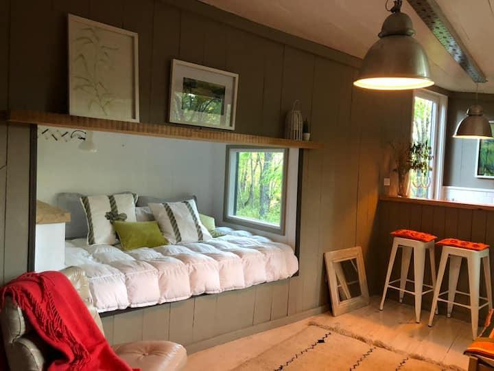 Tiny house en bosque de robles - LA PROA