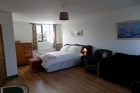 Large Double room  on the Slea Head Drive Ventry.
