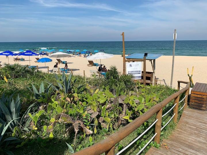 Praia e sol con luxo e segurança
