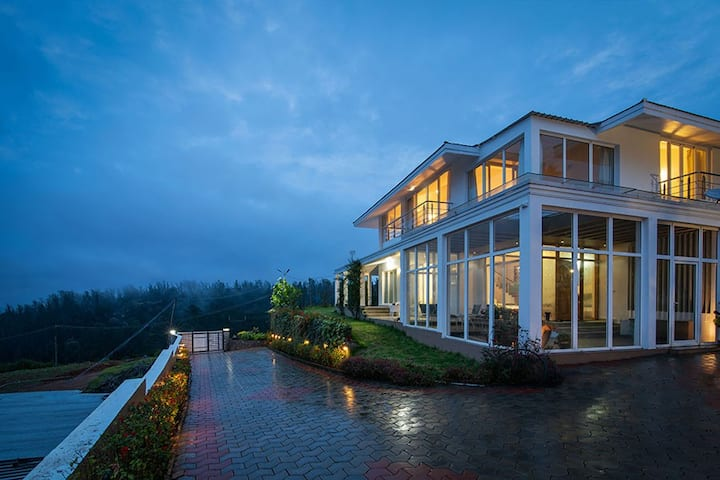 The Lilly - Premium 4BHK Villa in Ooty