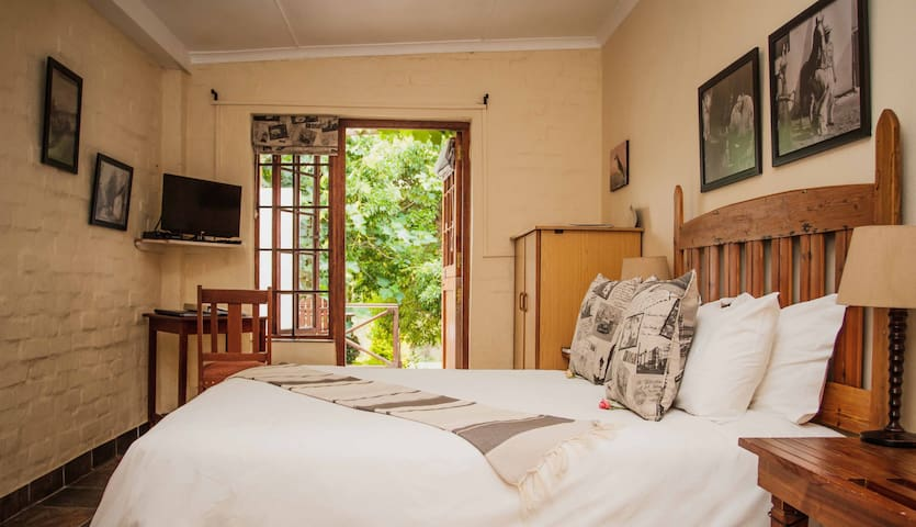 Cute Double room with Garden View - Swellendam - Bed & Breakfast
