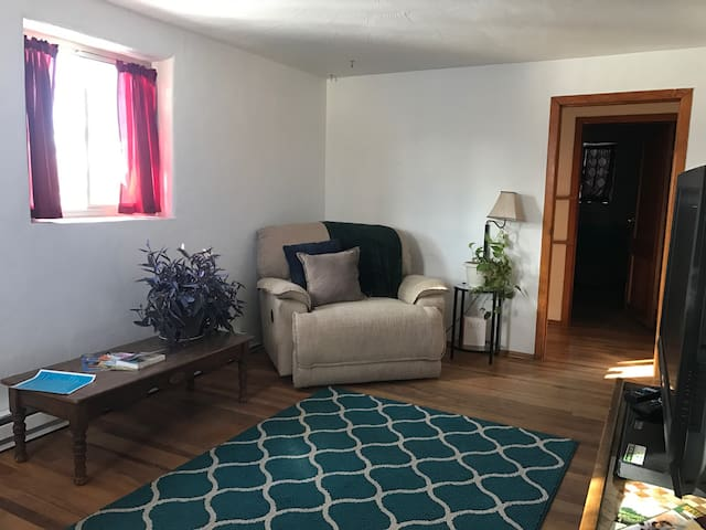 Cozy Downtown Space Private Entrance - Albuquerque - Appartement
