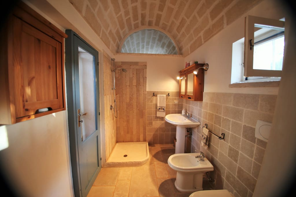 The ensuite bathroom has a walk in shower, WC, bidet and wash hand basin