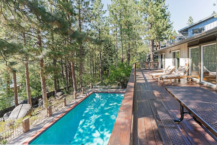 Deer Lodge Villa with Private Pool
