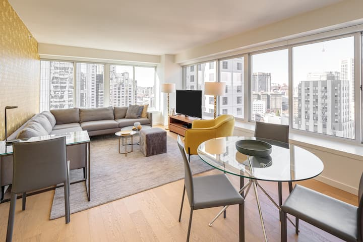 SoMa One Bedroom with Great City Views