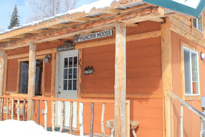Munchin Moose Cabin