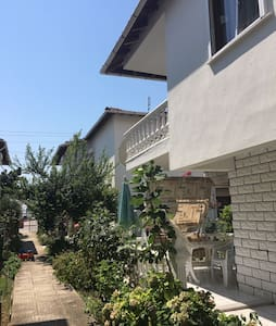 Şarköyde kiralık villa denize 100 m