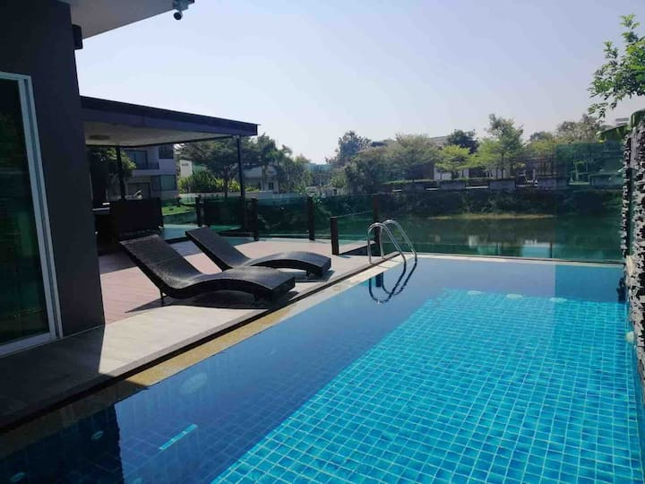 Pool Villa House